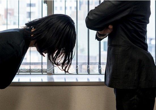 課長に絶対服従する日本企業の社員…村社会から脱却せよ!