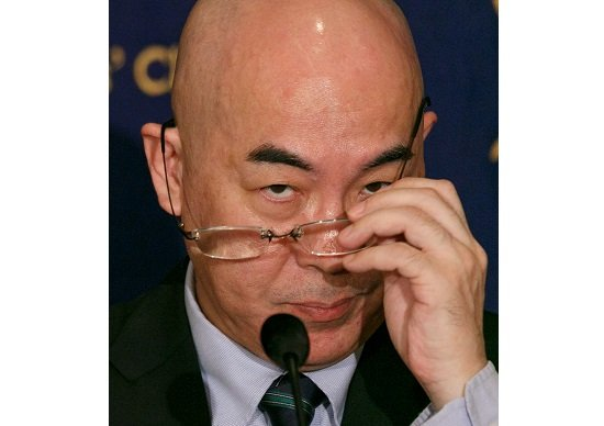百田尚樹「(沖縄・米軍ヘリ機材落下は)全部嘘」、記者に「娘さんは中国人の慰み者」の画像1
