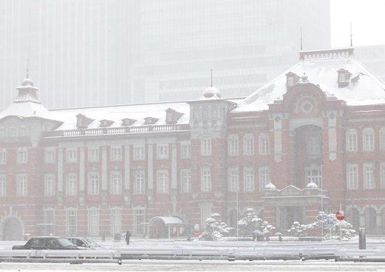 東京、大雪で必ず鉄道混乱の「本当の理由」…間引き運転は正しい?混乱中の移動厳禁?