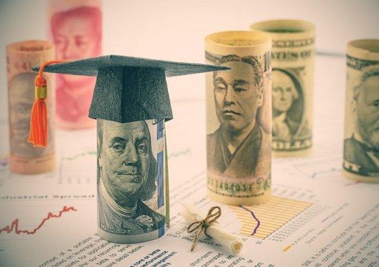 投資信託の手数料、揺らぐ金額の妥当性