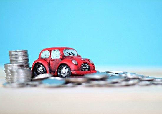 車にかかる年間費用100万円超…車を手放せばお金が貯まる