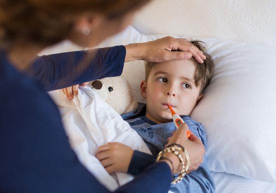インフルエンザ、市販の風邪薬で重篤な副作用の危険…一部の解熱剤、子供の死亡リスクも