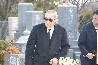 【随想】初代山健組組長法要に引退した大物組長が墓参…山口組分裂を超越した人間模様の画像1