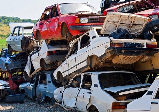 ガソリン車、存続の危機…エンジン部品メーカー、生産撤退始まる