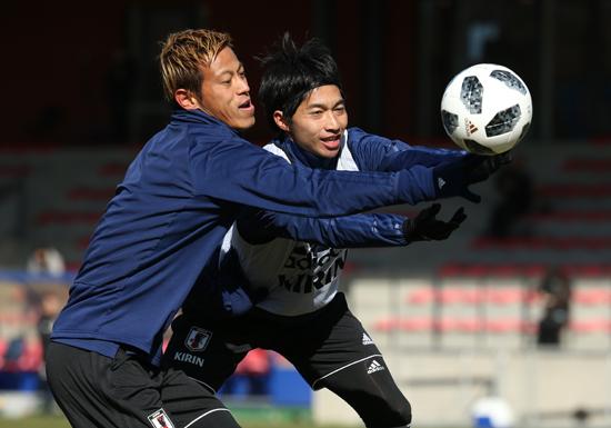 サッカーW杯間近、乾&岡崎が代表落ち・本田&宇佐美が復帰に「絶望」の声もの画像1