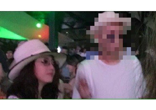 あの人気女優、大胆デート写真流出? VIP席で人目はばからずキス連発、すでに同棲の画像1