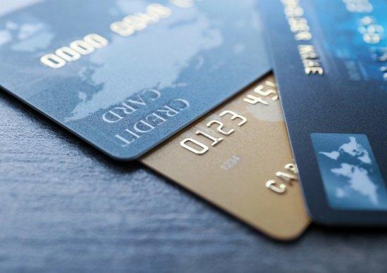 月給手取り18万、あっという間に借金20万…カード貧乏をやめれば貯金が増える!の画像1