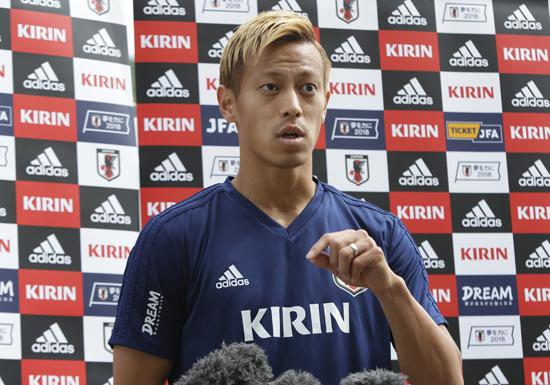日本代表、本田圭佑「真司にポジションを取られる」発言が「チーム全体の心配すべき」と物議