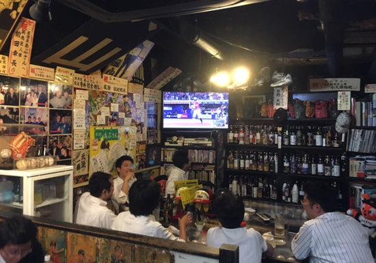 有名プロ野球選手も多数常連の「聖地」居酒屋あぶさん、30年以上ずっと繁盛の秘密