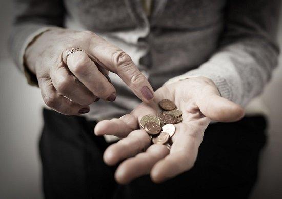 年金、平均受給額14万円台…老後破綻回避策は25~50歳から始めるべきの画像1