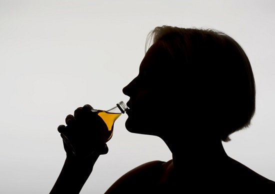 『半分、青い。』で人気の清野菜名、有名な酒グセの悪さ…深夜に泥酔しマネージャー呼び出しの画像1