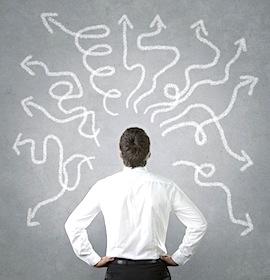 自己啓発ビジネスの餌食になる人々…夢実現のために、能力や資格