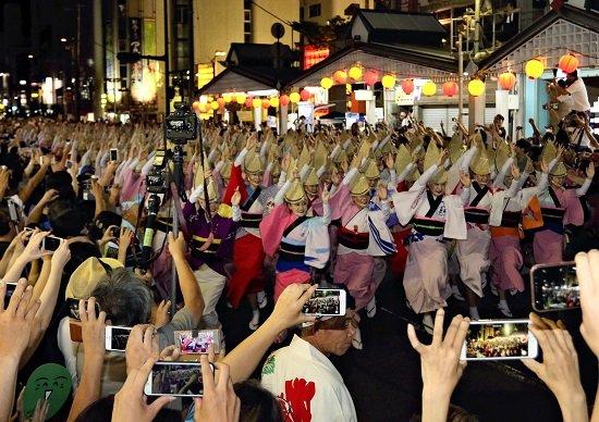 阿波踊り、遠藤市長の間違った判断でブランド毀損…来場者激減→巨額の経済的損失か