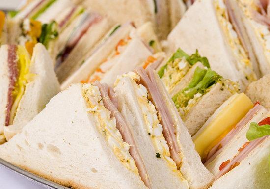 駅売店の一部のサンドイッチ、使用禁止の添加物を使用…直接摂取すると危険な添加物