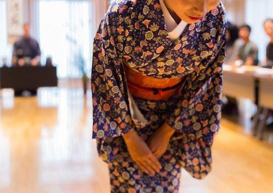 日本の「おもてなし」は押し付けがましい? 欧米で普通になされる本当のホスピタリティ