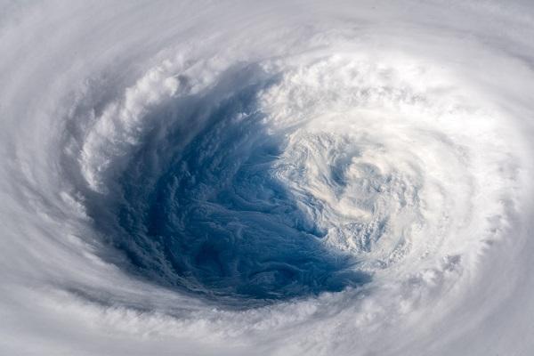 今週末に再び台風直撃!大雨&暴風エリア予報…月曜は全国的に天気回復でお出かけ日和か