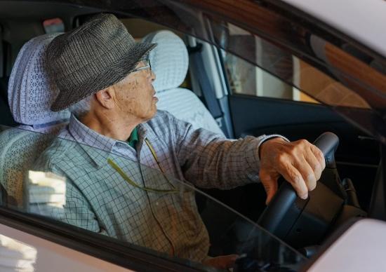 75歳以上の運転免許保有者500万人の3割が認知機能低下の疑い…検査体制の遅れが深刻化