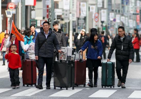 東京五輪開催年、インバウンド客が減少の可能性…中国依存のいびつな ...