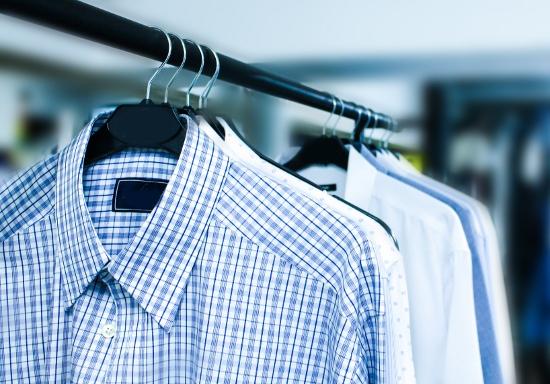 なぜクリーニング店は激減しているのか?「クリーニングに服を出す」という習慣の消失
