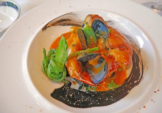 本物の豪華寝台列車でオリエント急行のフランス料理を楽しめる、東京・木場のレストラン!
