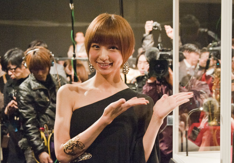 篠田麻里子の結婚発表で注目、AKB時代の人気絶頂→低迷で歯車が狂うまでの顛末