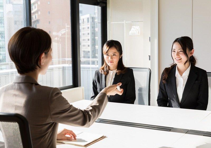 外資系企業も日本型「新卒一括採用」導入…欧米、エリート以外は低賃金のブラック企業就職