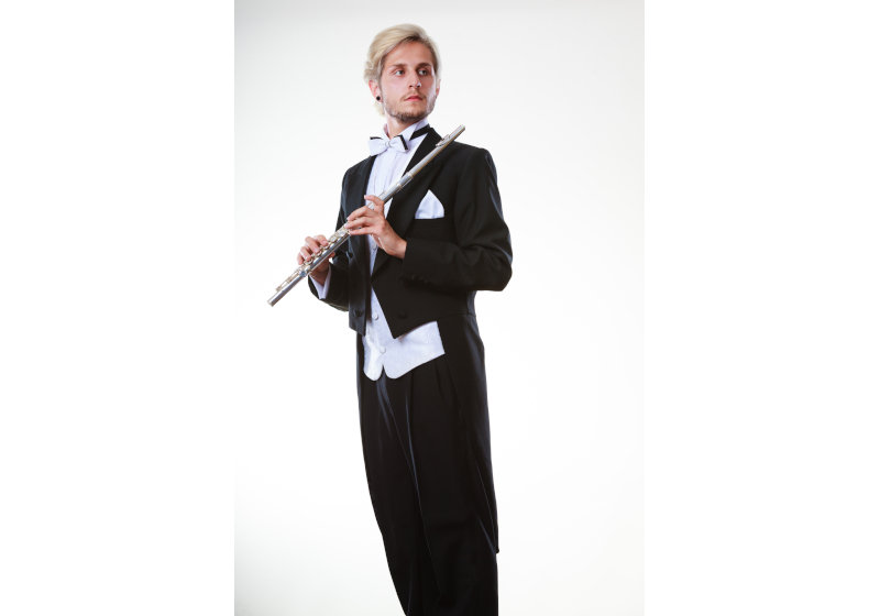 クラシック・オーケストラ、とても動きにくそうな「黒の燕尾服」を着て演奏する理由
