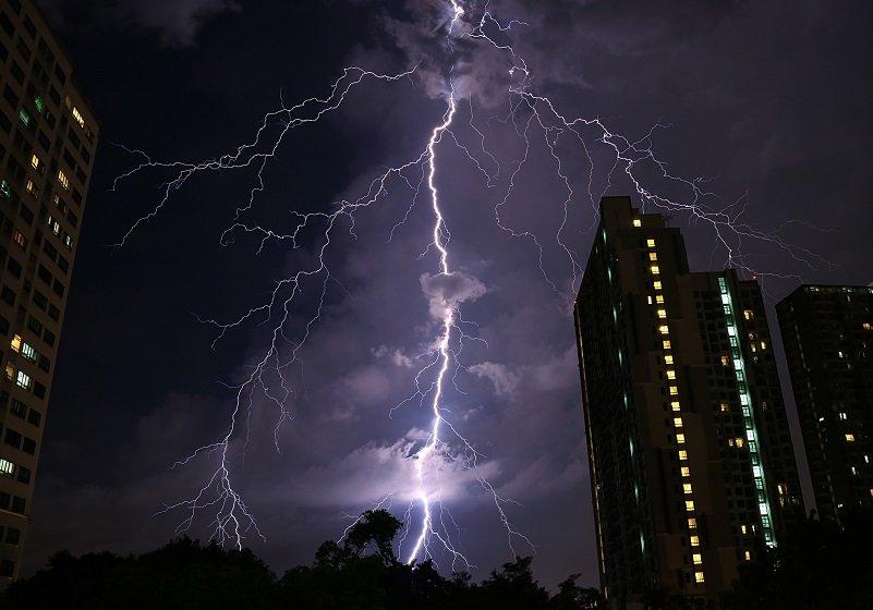"""マンション、電力契約めぐる居住者への""""解約強制""""で紛争多発…高圧一括受電の闇"""