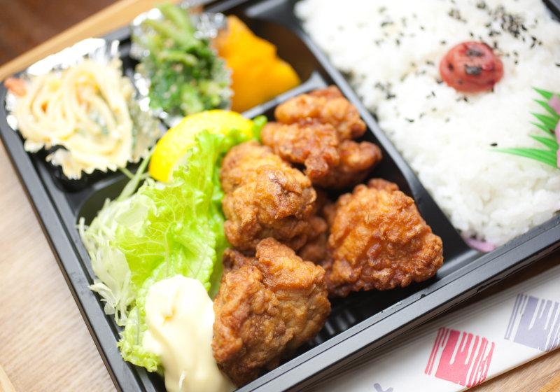 市販の「から揚げ」、原料は異臭放つ外国産鶏肉、揚げ油には強い毒性の過酸化脂質