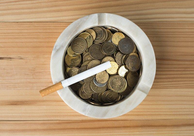 たばこ代、20年間で365万円支出…肺がんや要介護の危険増大、早急な禁煙が賢明の画像1