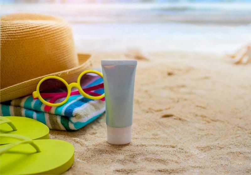 日焼け止めクリーム、発がん性の懸念ある成分が体内に吸収の恐れ…長時間の使用厳禁の画像1