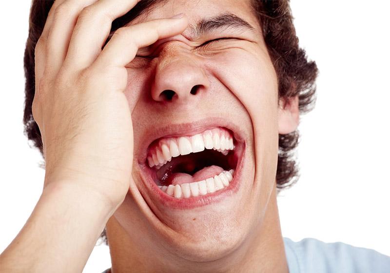 SNSなどネット上の笑い表現(笑・w・草・竹)で年齢がバレるって知ってた?