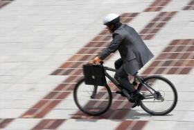 多発する自転車事故、9500万円の賠償命令も…お手頃でカバーも広い保険のススメの画像1