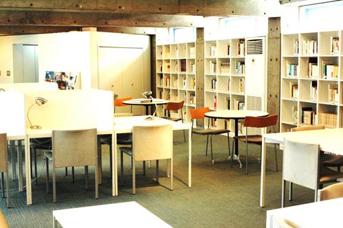 有料会員制図書館が続々オープン、なぜ静かなブーム?民間企業が街おこしを担う例もの画像1