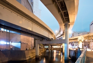 舛添都知事の首都高大規模更新前倒し構想、渋滞や交通混雑の深刻化呼ぶ恐れも