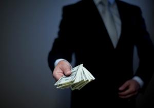 銀行の恐ろしい素顔 コネ融資、接待漬け、倒産目前の社長宅に深夜押しかけ