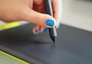 """超便利なスマホやタブレット向け""""ペン""""活用術?仕事の効率を上げる賢い選び方と注意点"""