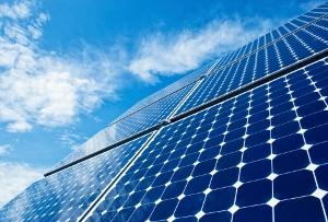 太陽光発電ビジネスに「15年危機説」?価格下落、「恩恵」切れ、実働事業者は5%…
