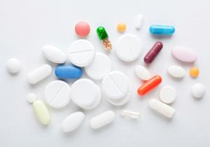 薬が病気を作る?薬剤師が教える薬の危険 抗うつ剤を飲むとうつ症状に、自殺や他害行為もの画像1