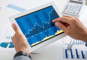 東証が個人投資家を潰す?「高速取引の機関投資家優遇」との不満噴出