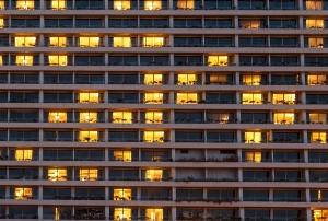 マンション向け電力ビジネスでトラブル頻出 停電リスク隠し「訴訟辞さない」と導入迫る
