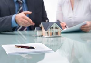 住宅ローン、固定金利は損?「変動金利は危険」はウソ?利子支払い額で大きな差