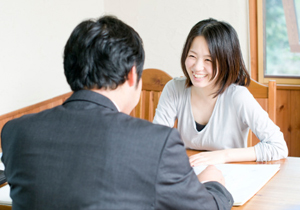 保険の営業マンと無料相談所は危険?顧客の利益無視、うまみの多い商品を巧みに勧めるの画像1