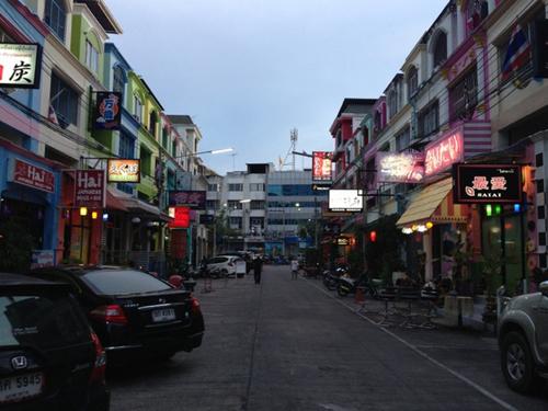 【現地ルポ】タイで不動産バブル?日本企業殺到で不動産高騰の街 値崩れの不安材料もの画像1