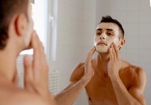入浴剤、発がん性&肌破壊 コラーゲンの鍋や化粧水は肌に無意味?男性化粧品は危険?の画像1