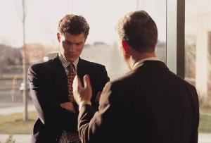 急増するクレームストーカー 謝罪要求口実に女性店員につきまとい なぜ対応難しい?