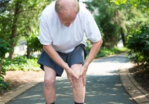 ゼラチンを食べると膝痛が消え、肌もスベスベ!市販パウダーは一袋たった30円