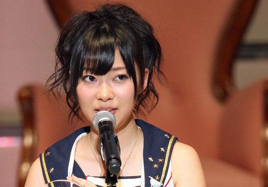 AKB48「ネタ切れ」の象徴!? 「空気」に「小学生の工作レベル景品」提供サービスのトンデモ内容と、秋元康Pの「やる気」