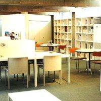 有料会員制図書館が続々オープン、なぜ静かなブーム?民間企業が街おこしを担う例も