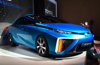 来年、燃料電池車元年?実用性向上で浮かぶ普及へのロードマップと、ビジネス的合理性